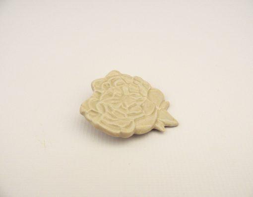broche flor ceramica