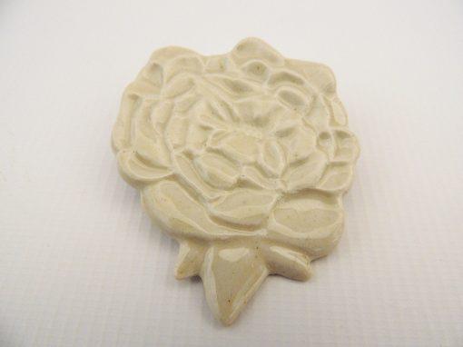 broche ceramica flor